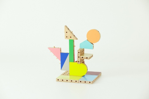 Dowel-blocks-le-kit-de-construction-pour-enfant-par-Ichiro-Design-design-blog-espritdesign-17