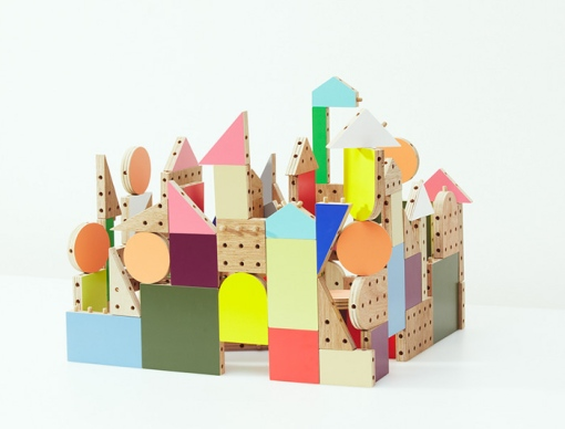 Dowel-blocks-le-kit-de-construction-pour-enfant-par-Ichiro-Design-design-blog-espritdesign-2