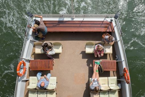les-touristes-se-la-coulent-douce-395-347-1422898376